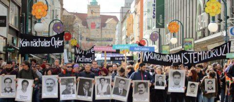 """""""Wir werden das Urteil nicht anerkennen"""" – Nichtstaatliches Gedenken an die Opfer des NSU"""